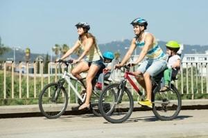 Gültig für alle: Das Verkehrsrecht ist für Radfahrer und Fußgänger ebenso verbindlich wie für Autofahrer.