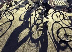 Die Verkehrsregeln auf dem Fahrrad ähneln denen für Autos.