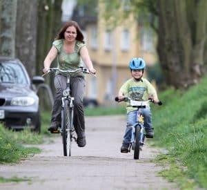 Verkehrsregeln sollten für Kinder ein wichtiger Bestandteil der Erziehung sein.
