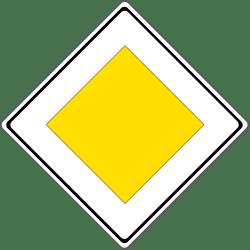 Die Verkehrsregeln besagen, dass Sie bei diesem Schild Vorfahrt haben.