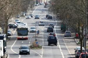 Verkehrssicherheit: Durch B17 sind die Unfallstatistiken bei jungen Fahrern um ein Viertel zurückgegangen.