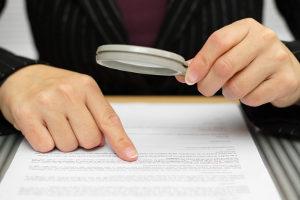 Zivilrechtliche Ansprüche, die sich aus dem Kaufvertrag für ein Auto ergeben, regelt das Verkehrsvertragsrecht.