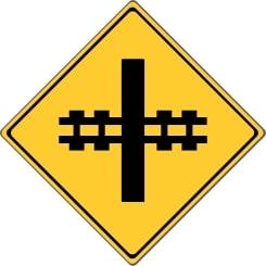 Abweichende Verkehrszeichen: In Kanada wird so auf einen Bahnübergang hingewiesen.