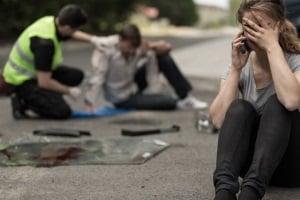 Wurde ein Fußgänger vom Auto angefahren, ist manchmal Schmerzensgeld vom Schuldigen zu zahlen.