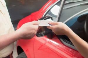 Ein vorläufiger Führerscheinentzug durch die Polizei kann durch den richterlichen Beschluss bestätigt werden.
