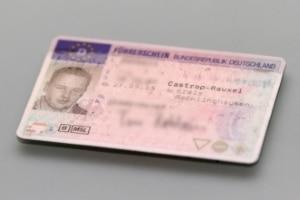 Für das Fahren ohne Fahrerlaubnis ist eine zeitige Freiheitsstrafe möglich